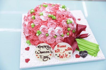 Bánh kem tạo hình 3d bó hoa đẹp độc đáo tặng phụ nữ ngày 08/03