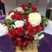 Chậu gỗ hoa hồng sáp thơm