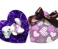 Hoa hồng tím và gấu bông
