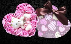 Hoa hồng và gấu bông